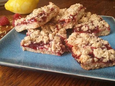 Delicious Raspberry Crumble Bars
